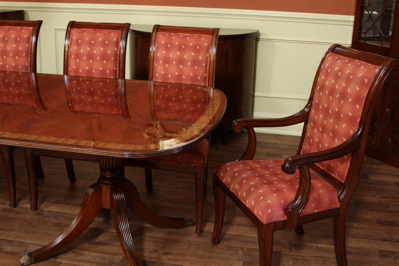 fine american finished mahogany dining table seats 14 people table only. Black Bedroom Furniture Sets. Home Design Ideas