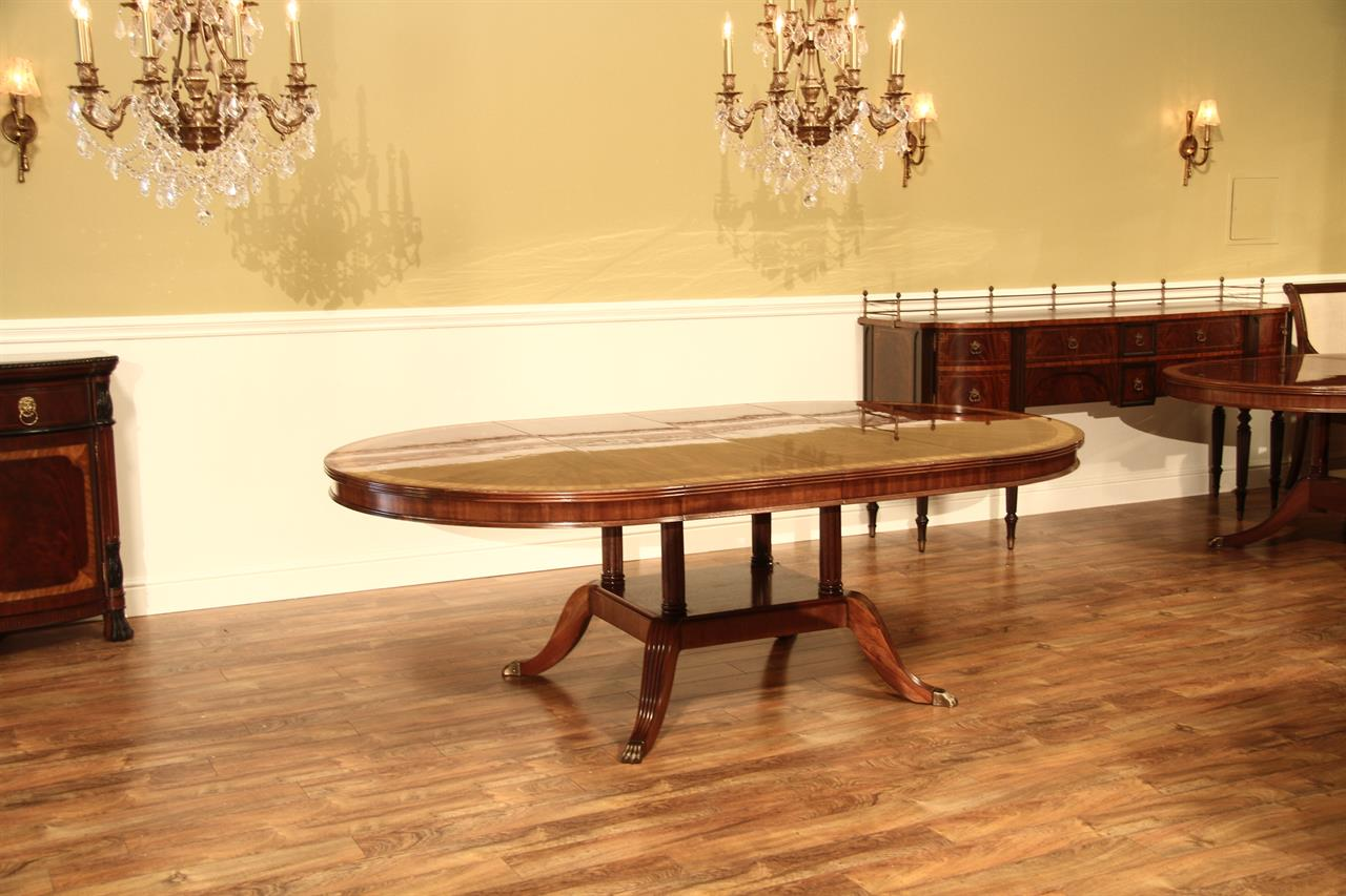 Round To Oval Mahogany Dining Table - Round dining table with 2 leaves