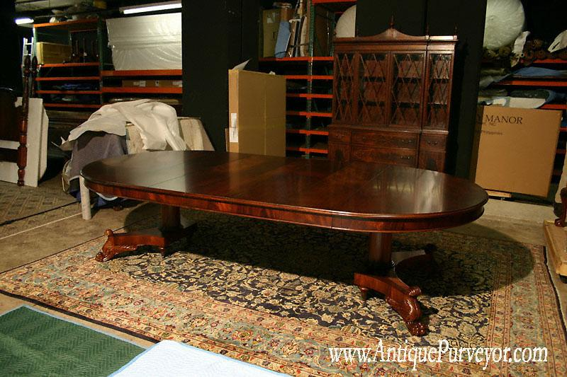 Victorian Round Dining Room Table With 5 Leaves Seats About 10 12 People