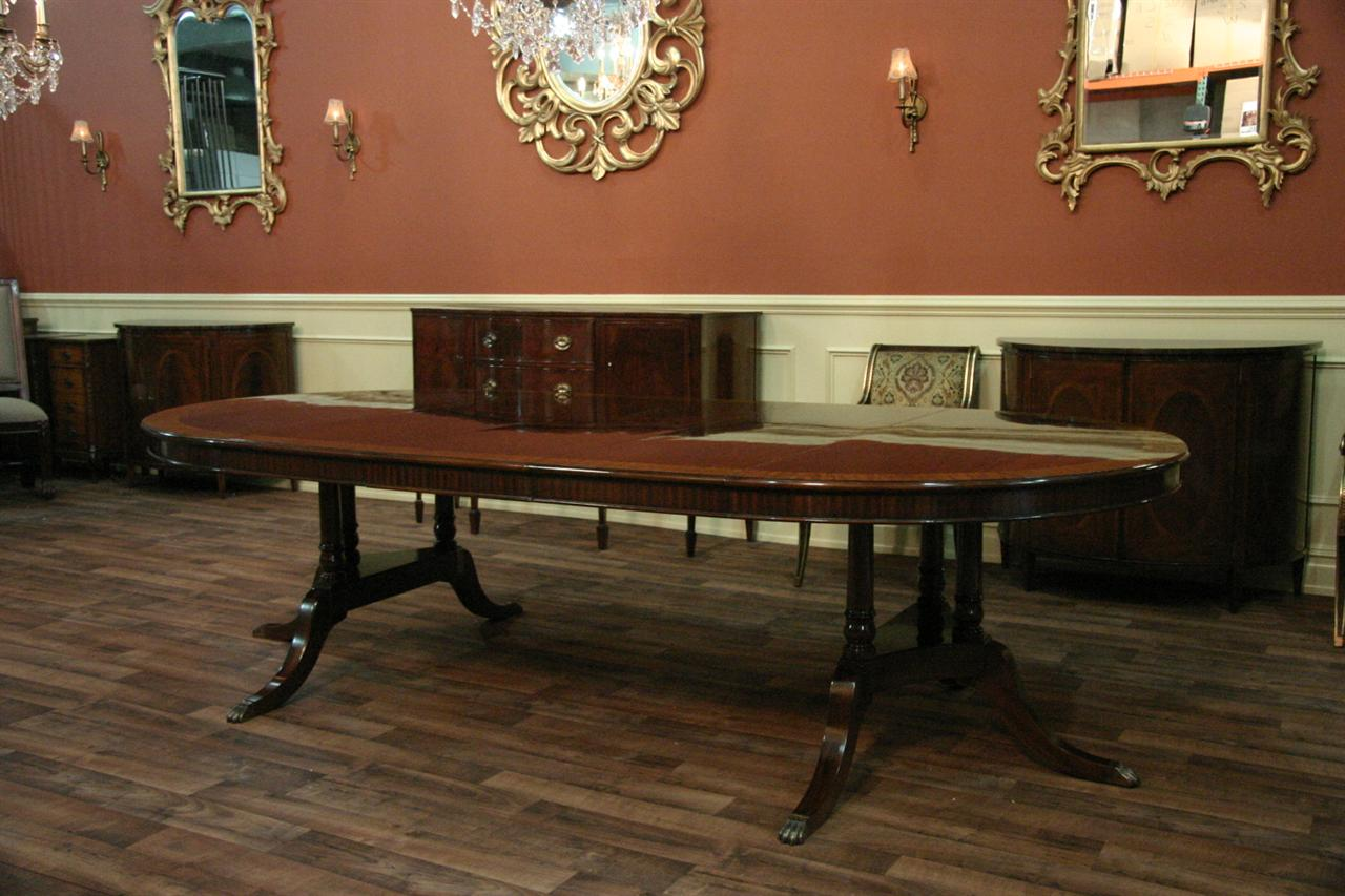 Beautiful 60 Round to Oval Mahogany Dining Room Table w/ Leaves 1280 x 853 · 129 kB · jpeg