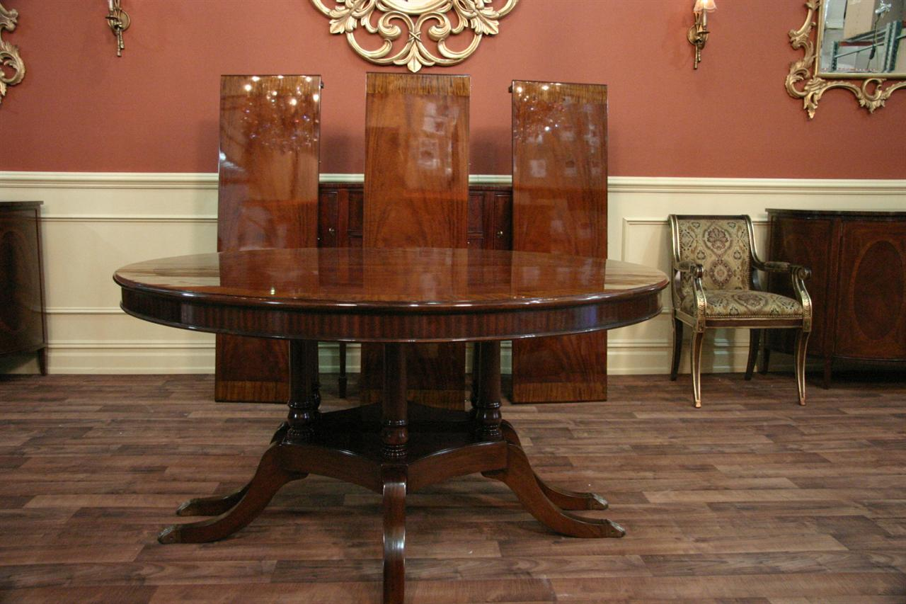 60 Round to Oval Mahogany Dining Table - Round To Oval Round Mahogany Dining Table With Leaves