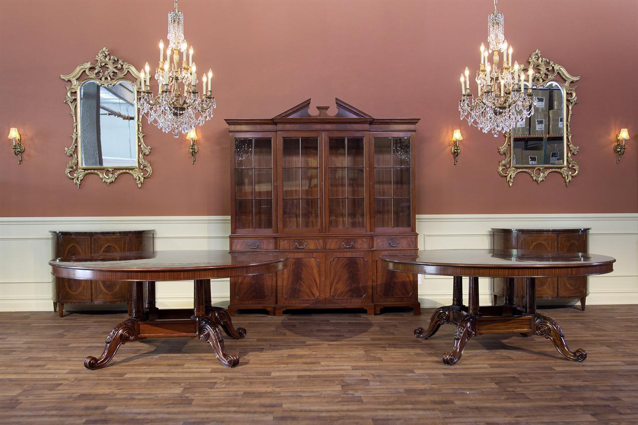 Round Dining Tables: Mahogany Dining Table