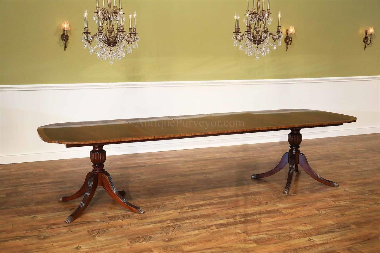 Duncan Phyfe Scallop Corner Flame Gany Dining Table