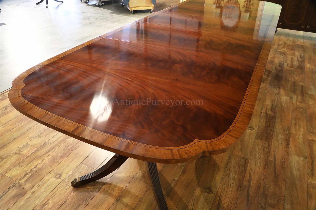 Duncan Phyfe Scallop Corner Mahogany Dining Room Table
