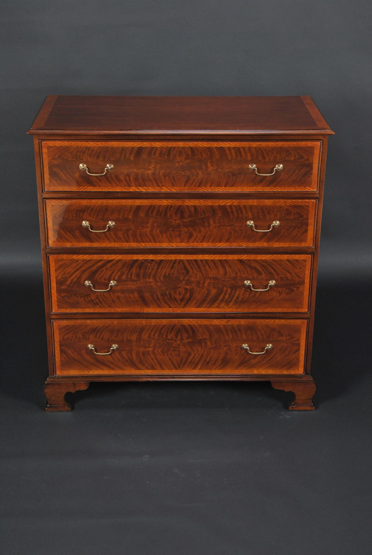 English Mahogany Chest of Drawers