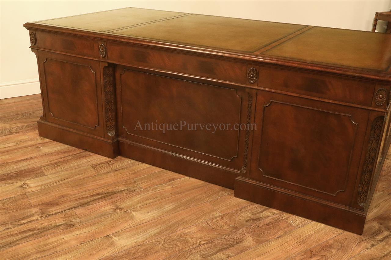 High End Executive Leather Top Desk Mahogany Desk