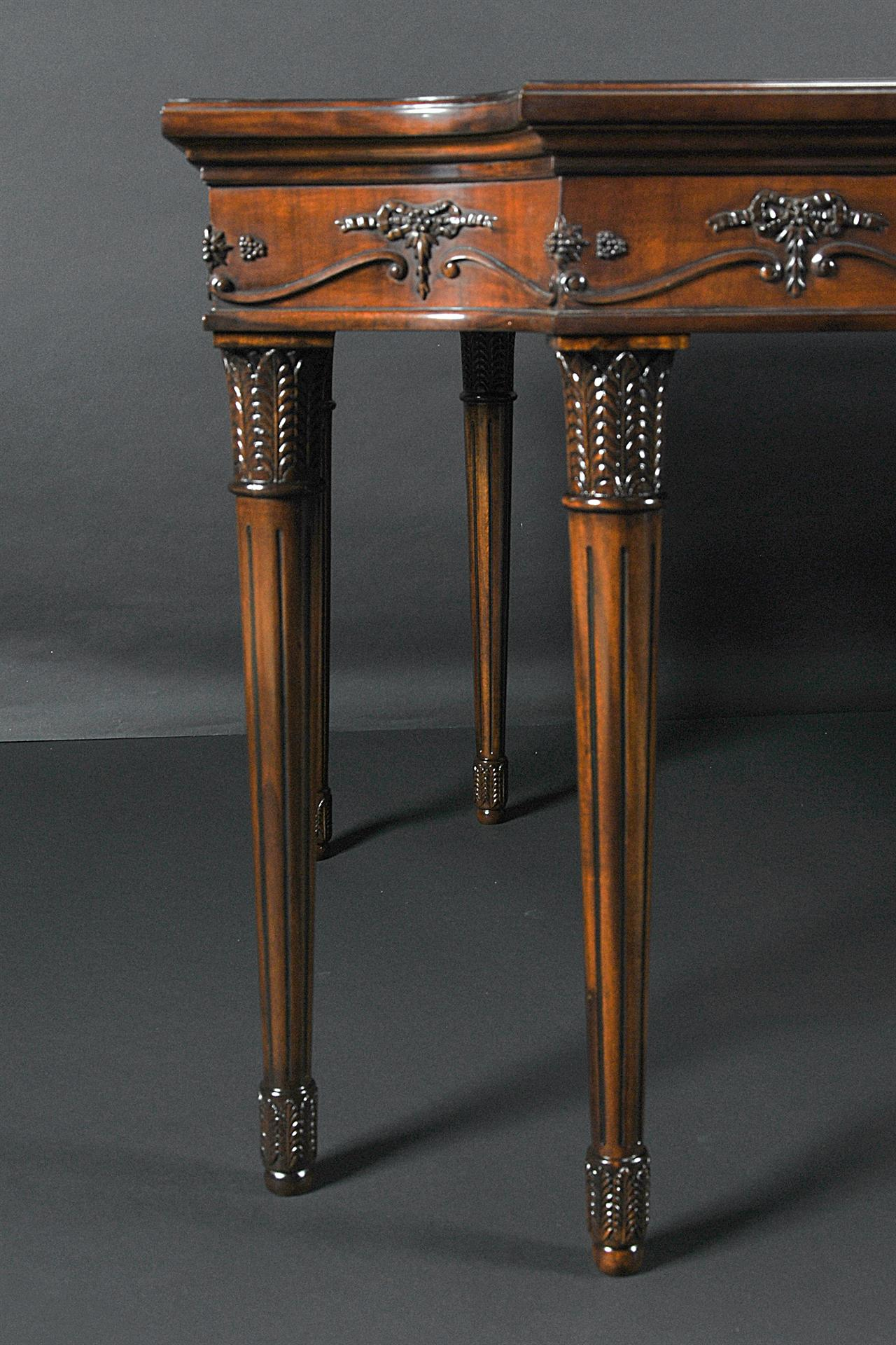 Luois XVI Style Dining Table Legs Make This An Elegant Choice To Coordinate With Classical Furniture