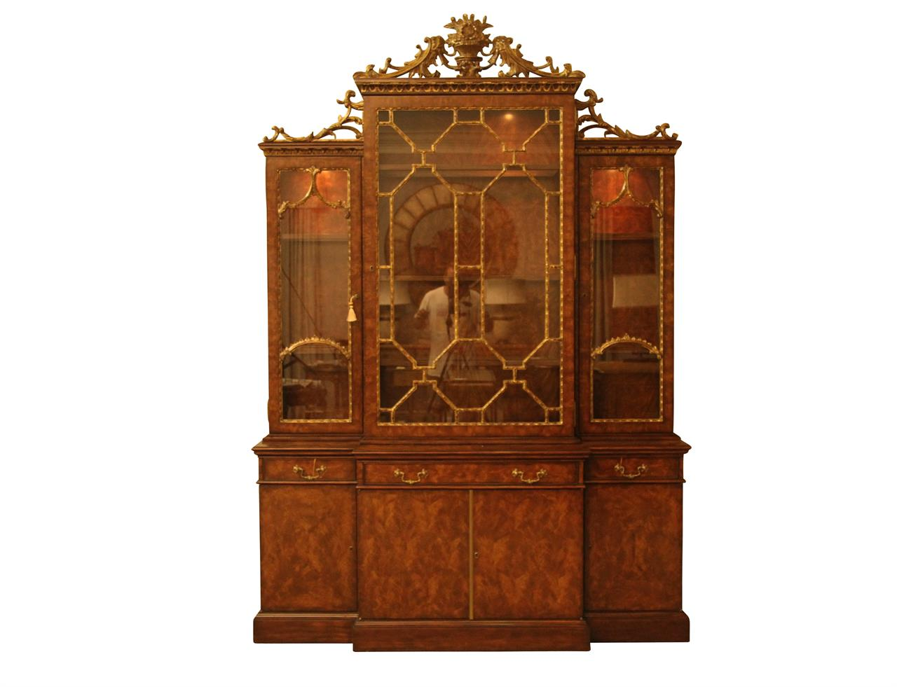 Fine antique reproduction French china cabinet hutch - Fine Antique Reproduction French China Cabinet With Gold Leaf