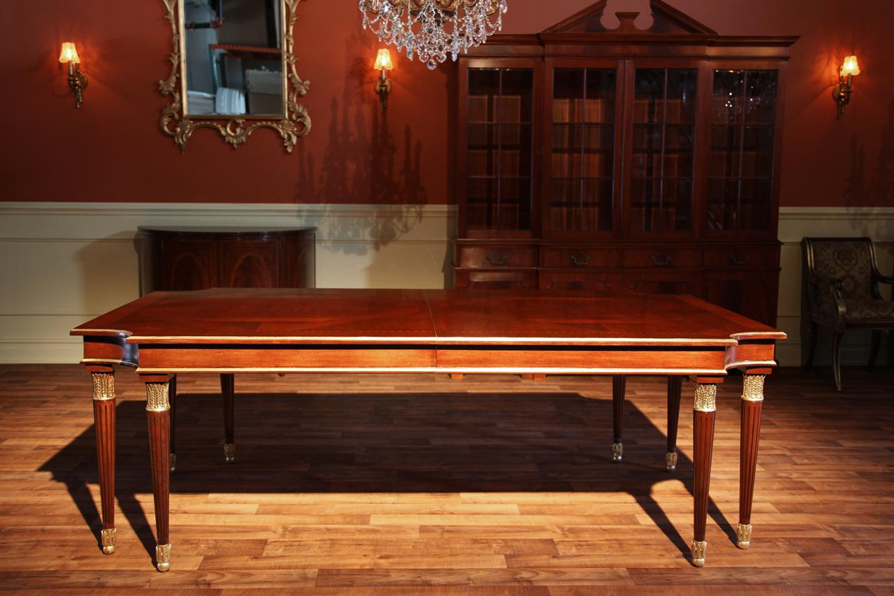 http://www.antiquepurveyor.com/productimages/high-end-american-made-walnut-dining-table-4019.jpg