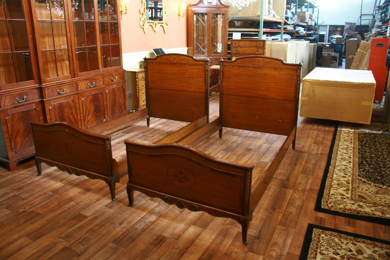 John stuart inc complete matching antique twin bedroom set for American made beds
