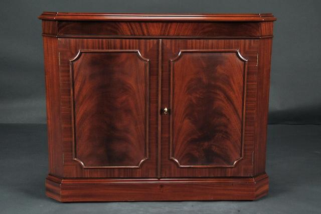 Magnificent Mahogany Corner China Cabinet 640 x 427 · 27 kB · jpeg