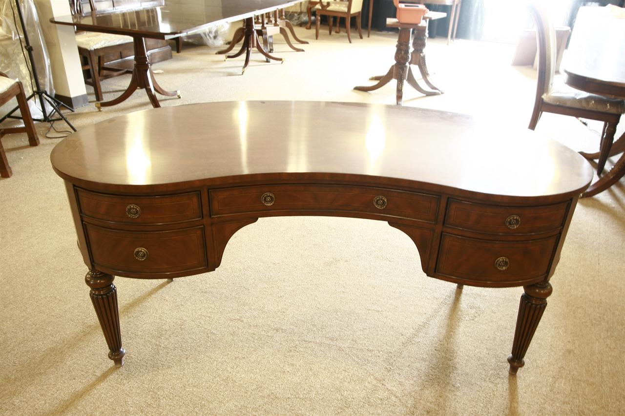 Perfect HIgh End Mahgoany Kidney Shaped Desk