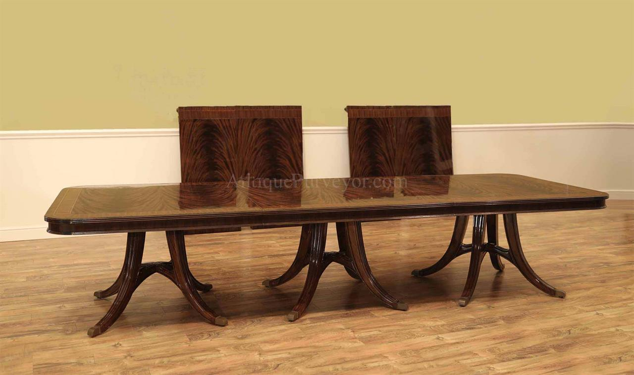 Mahoagny Dining Table