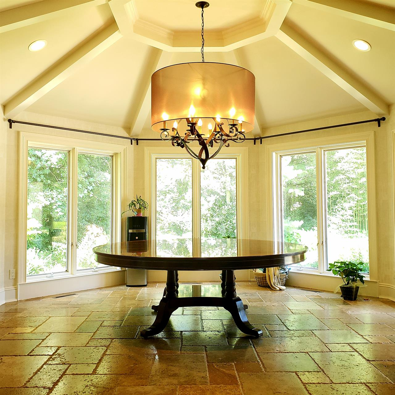 Round Dining Table Seats 10: Extra Large Round DIning Table