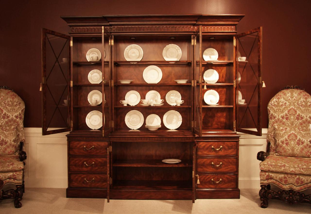 Luxurious Mahogany China Cabinet With Flame Mahogany Interior