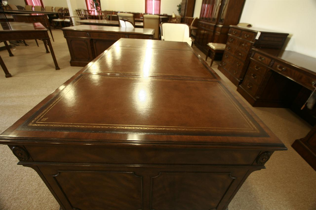High End Mahogany Executive Desk. Large Executive Leather Top Desk
