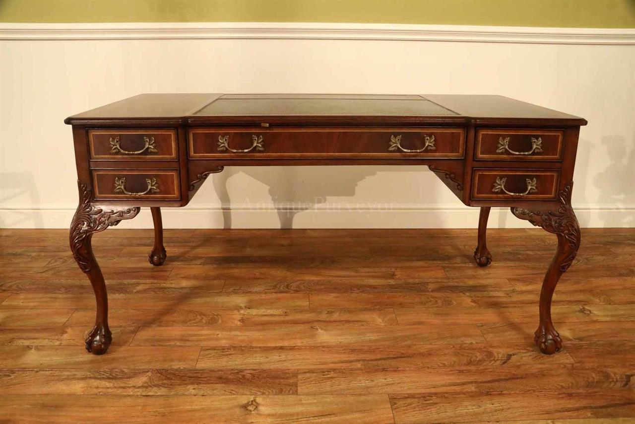 Fine Chippendale Writing Desk With Leather Inset Top
