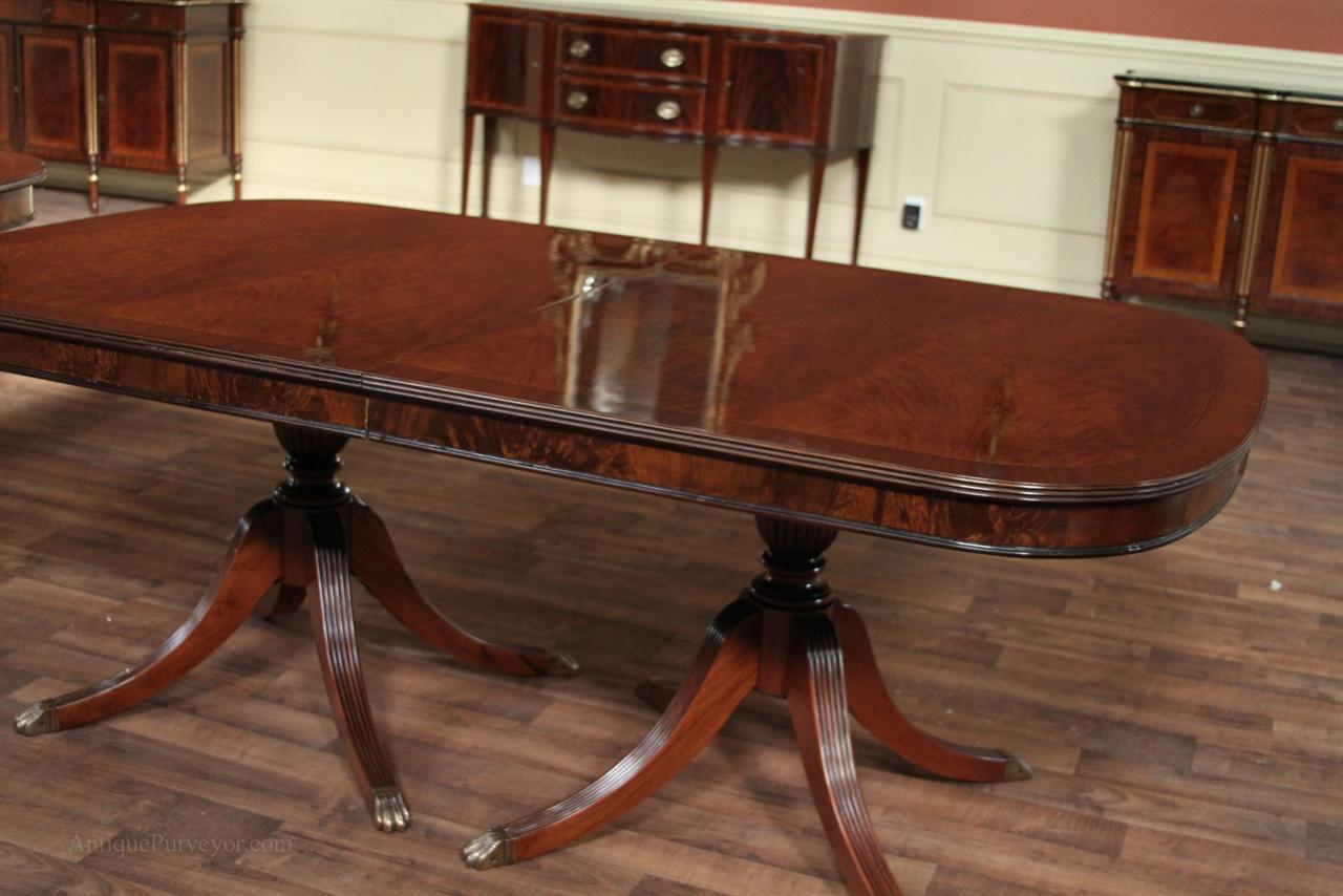 Mahogany dining room table mahogany dining table large for Traditional dining table with bench