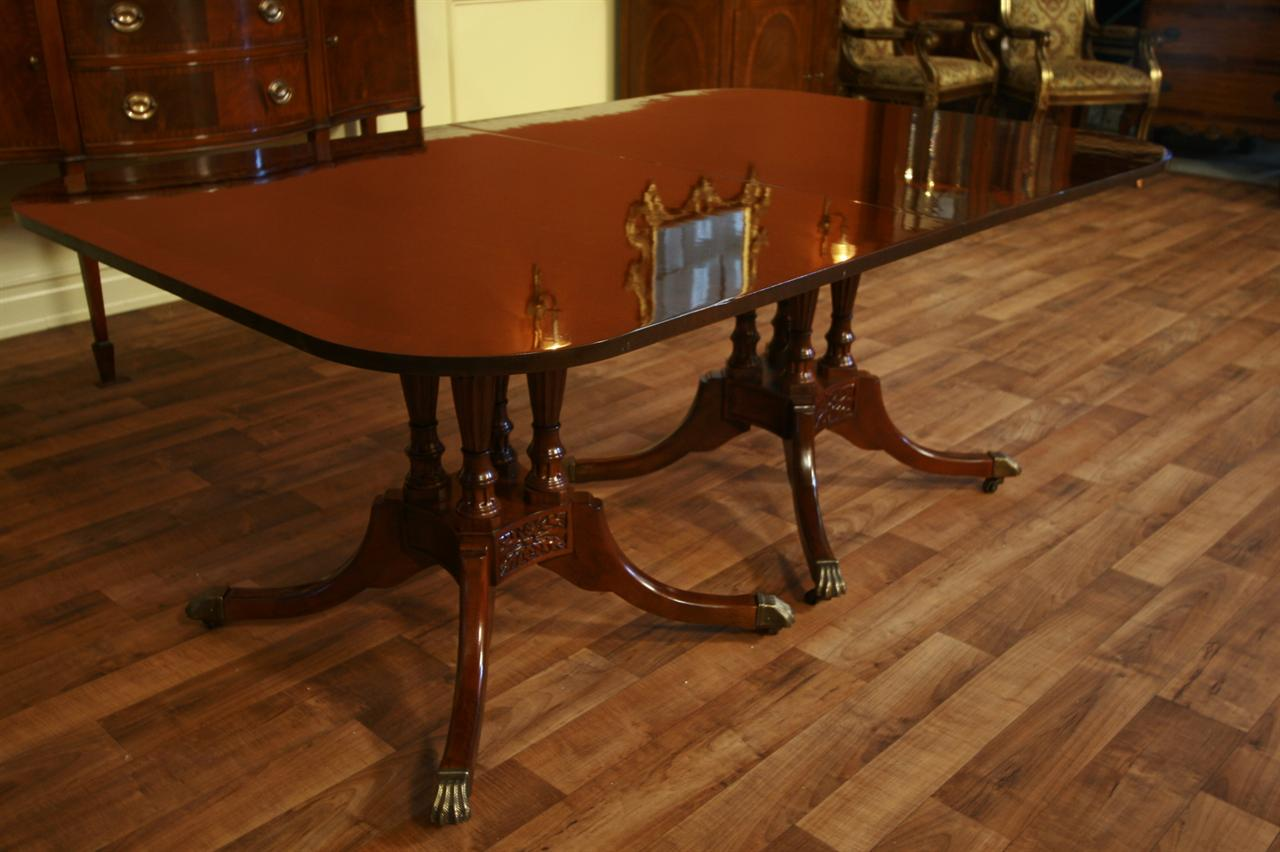 Dining table duncan phyfe dining table mahogany for Duncan 5 dining room table