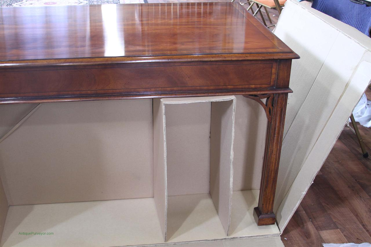 Antique style writing desk in solid mahogany - Antique Style Mahogany Writing Desk, Higher End Reproduction