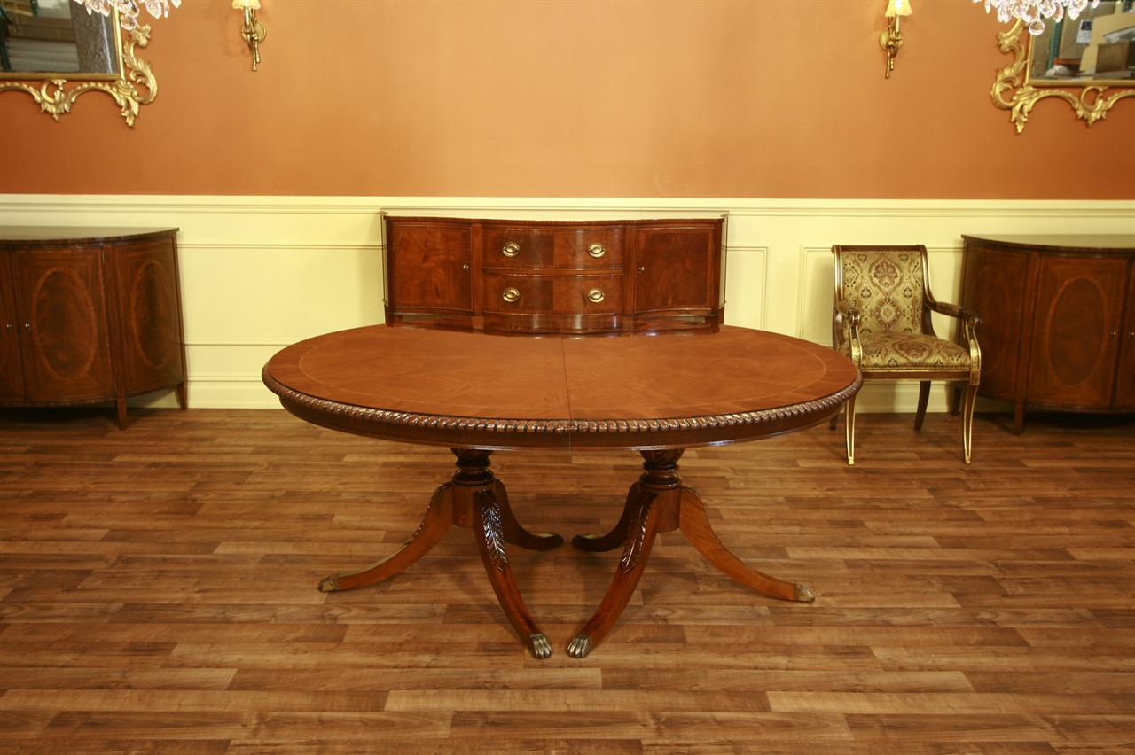 Henredon Dining Table Oval Dining Table Mahogany eBay : oval banded mahogany table with rope turn edge 4900 from www.ebay.com size 1280 x 852 jpeg 114kB