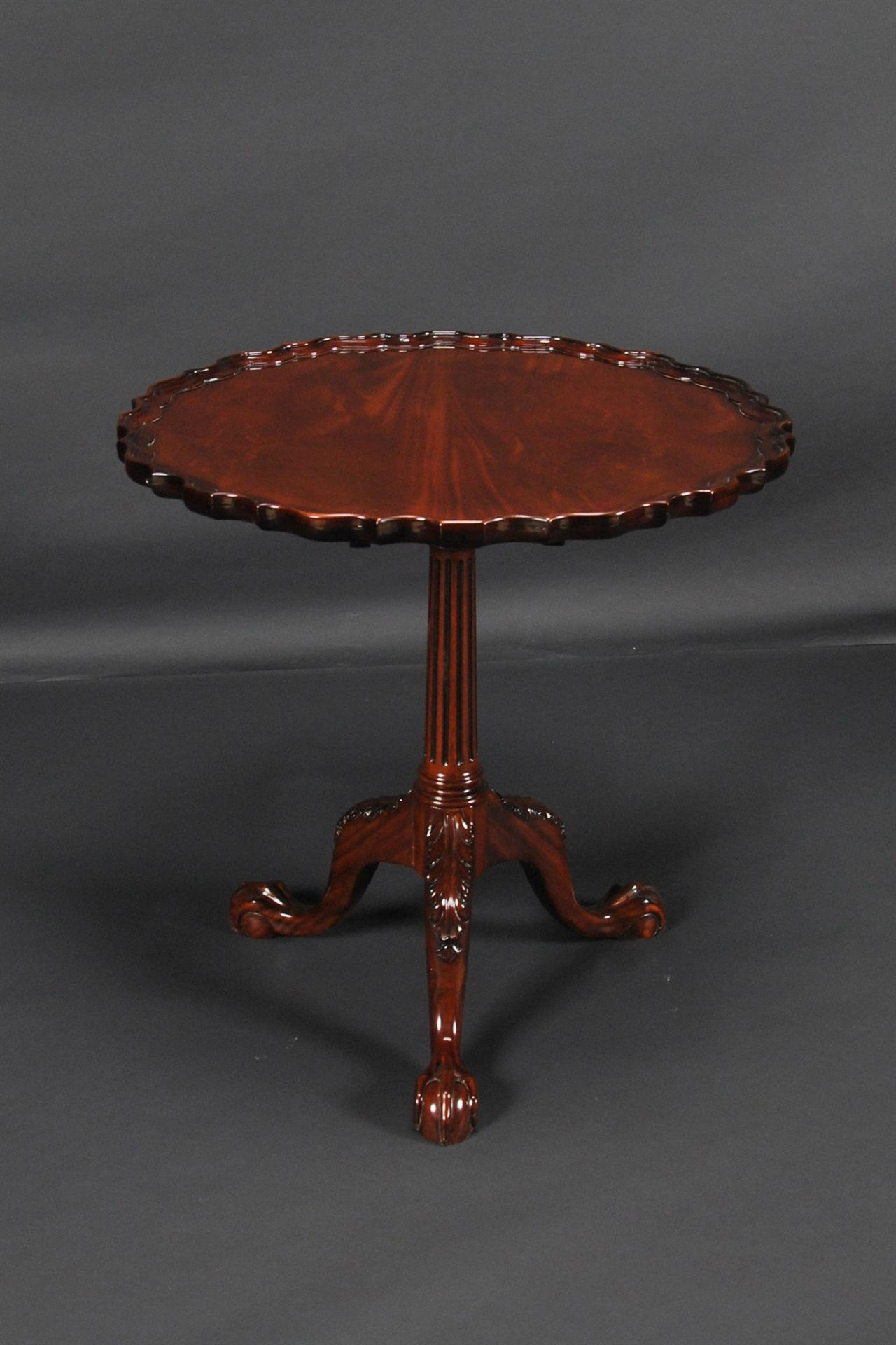 Philadelphia Tilt Top Table