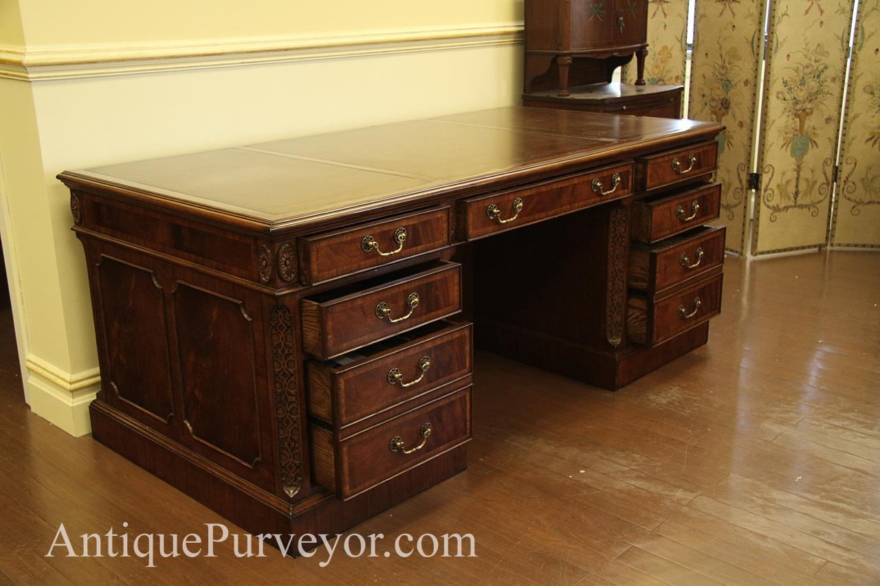 Antique Reproduction Traditional Mahogany Leather Top Executive Desk