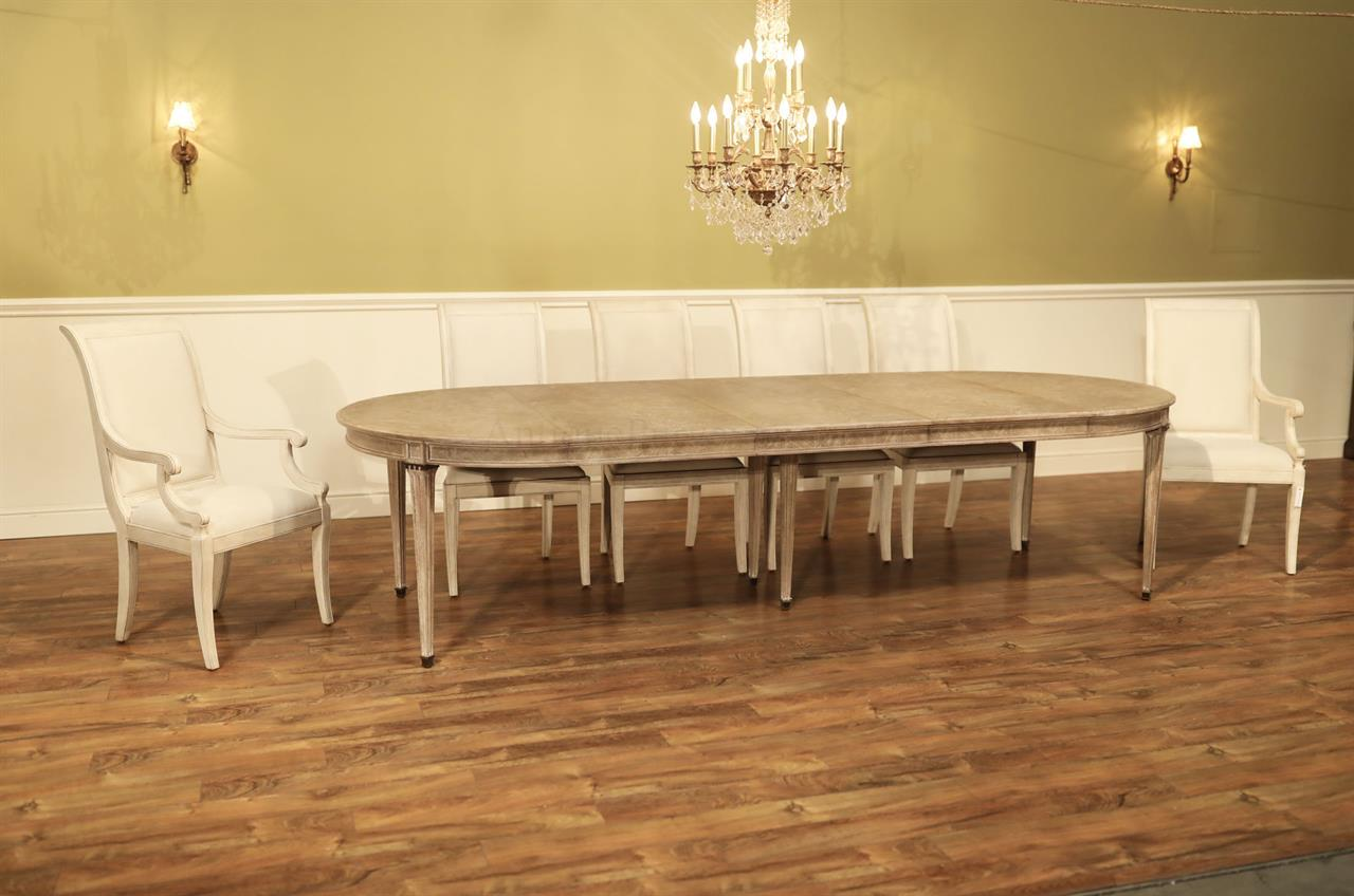 5405 283 Round Expanding Dining Table Seats 12 People
