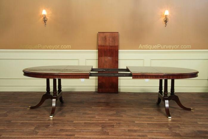 Round to Oval Mahogany Dining Table with leaves sits 12  : round to oval mahogany dining table with leaves sits 12 13372 from www.ebay.com size 698 x 466 jpeg 35kB
