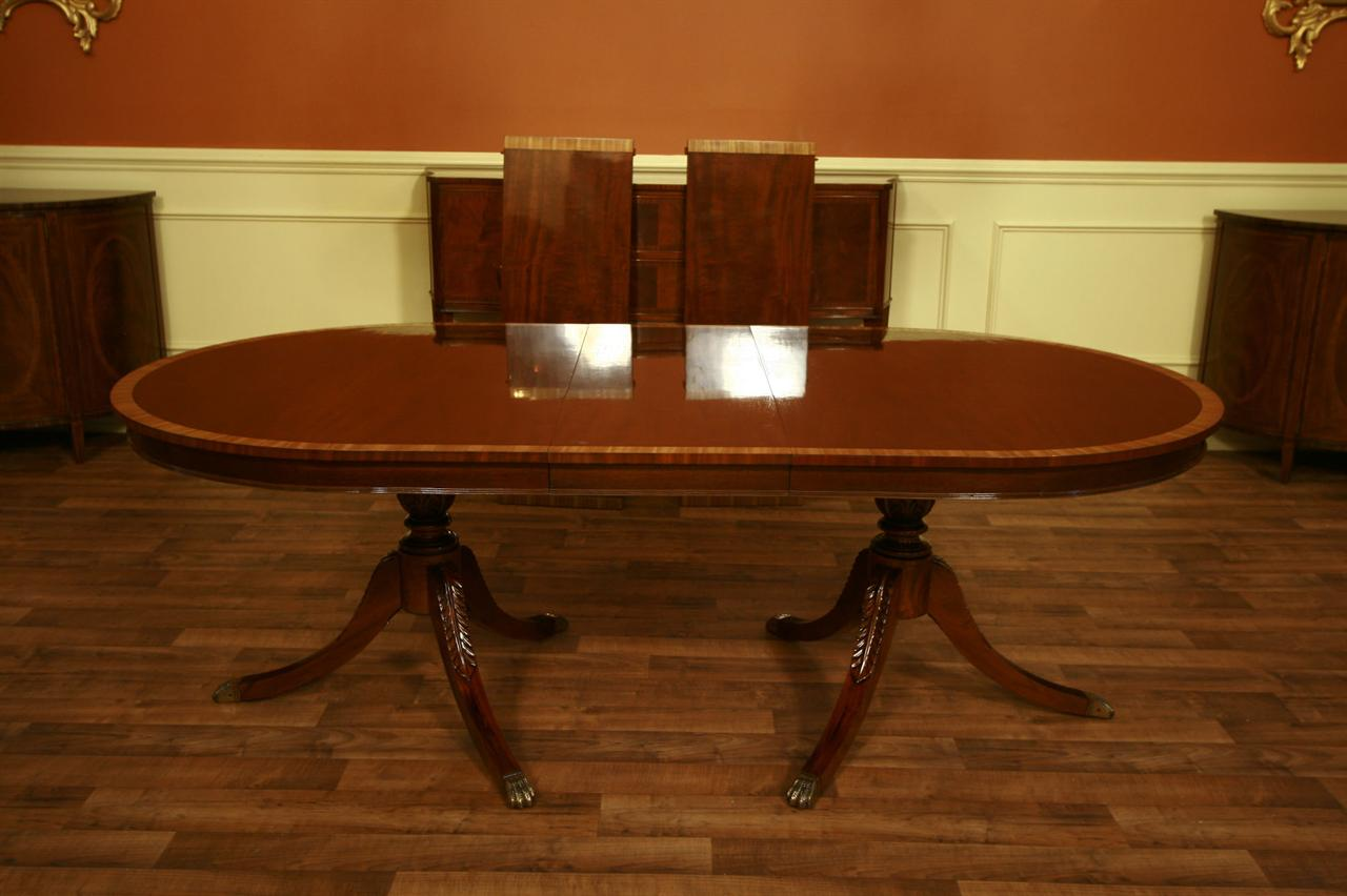 Incredible Stickley Mahogany Dining Table 1280 x 852 · 86 kB · jpeg