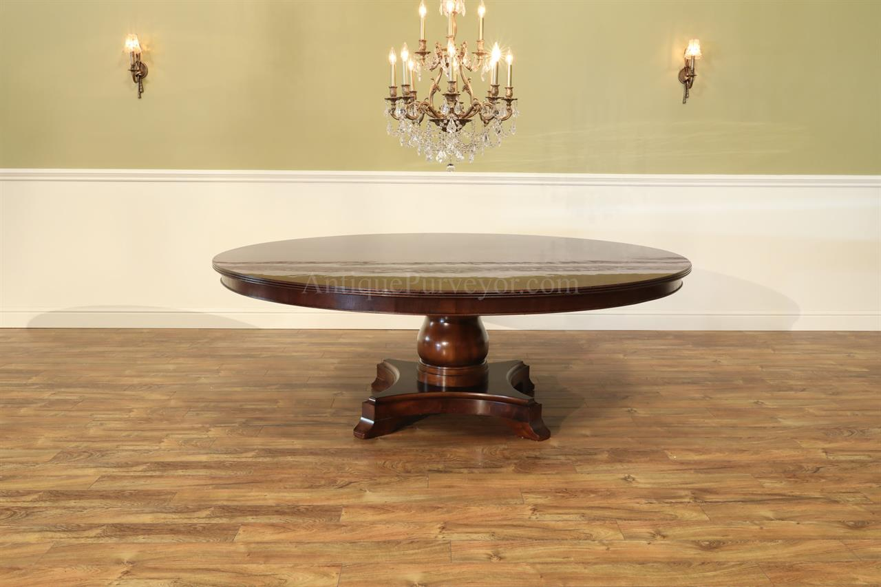 84 round mahogany pedestal table seats 10 people