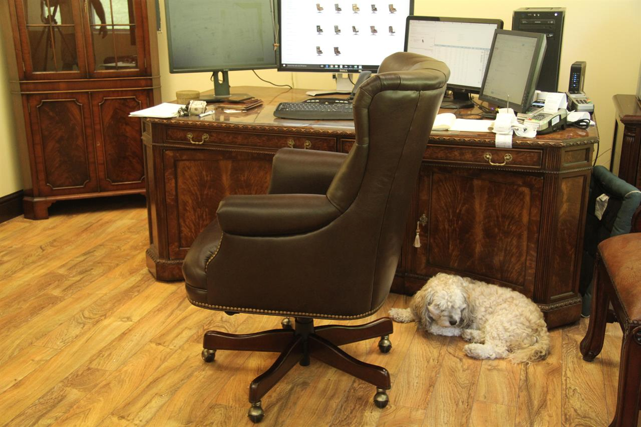 Brown Tufted Leather Executive Chair Conference Room Chair